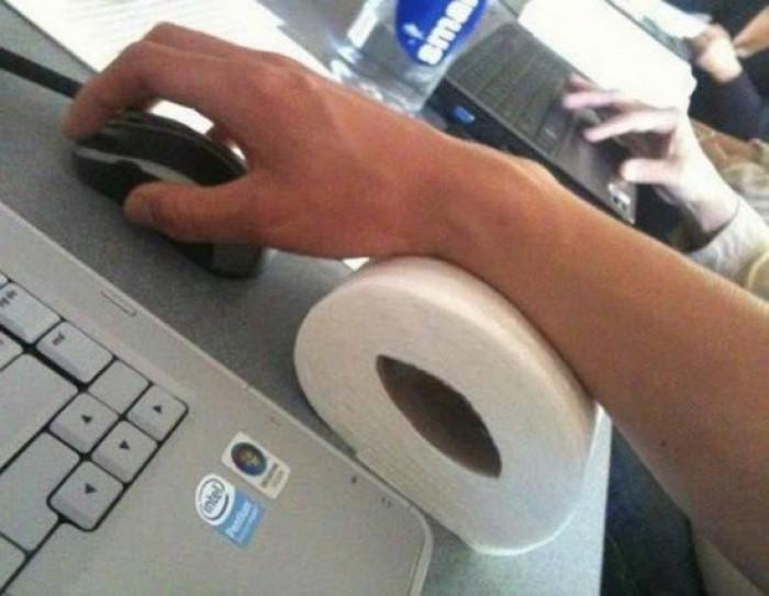 Вицове: Ново приложение за руло тоалетна хартия